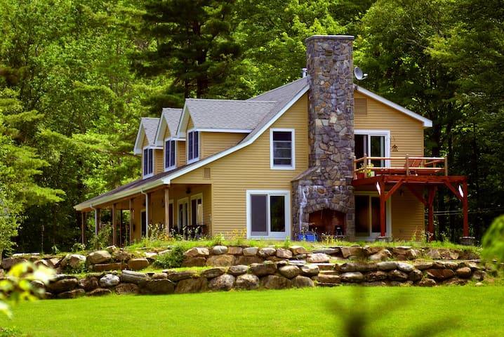 Lux Farm/Vineyard/Ski/Retreat Home - Plymouth - Huis