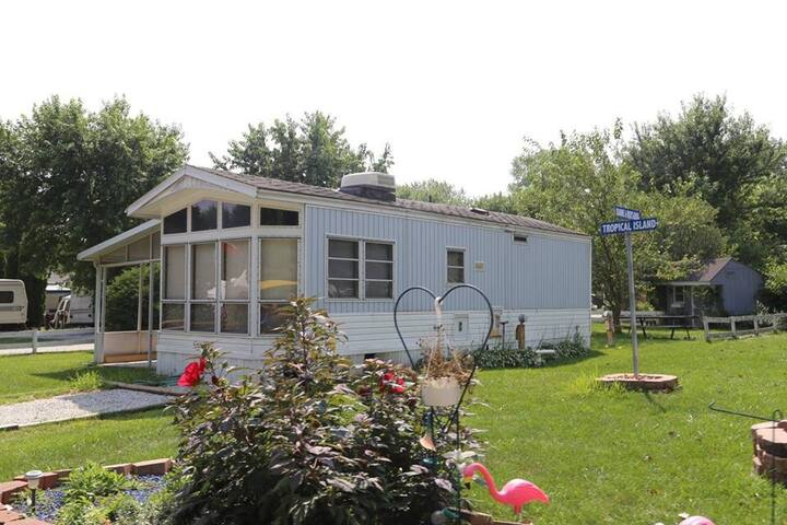 Cozy Little Camping Getaway - Portage - Husbil/husvagn