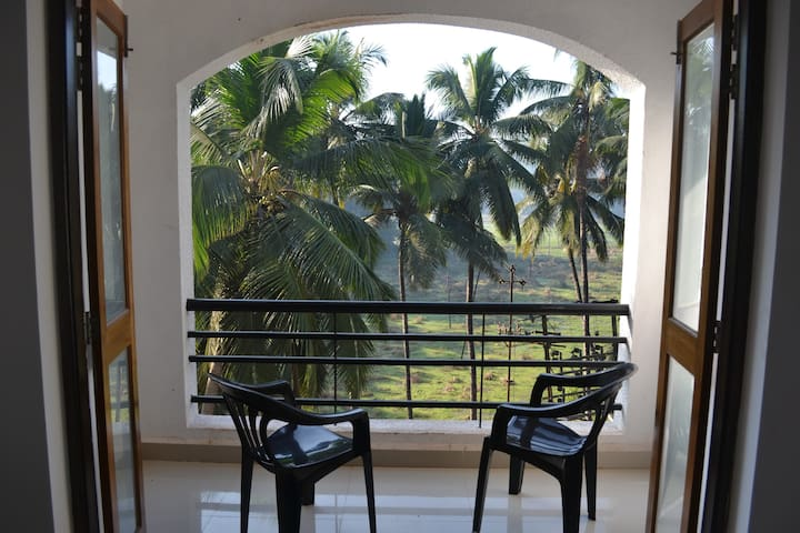 Spacious 2 BHK wt balconies, Siolim - North Goa - Διαμέρισμα
