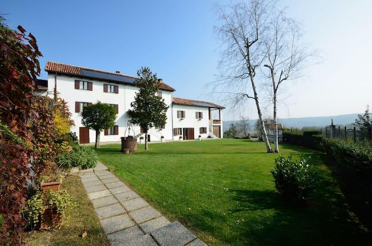 Monferrato Country House Bettonica - Castelnuovo Belbo