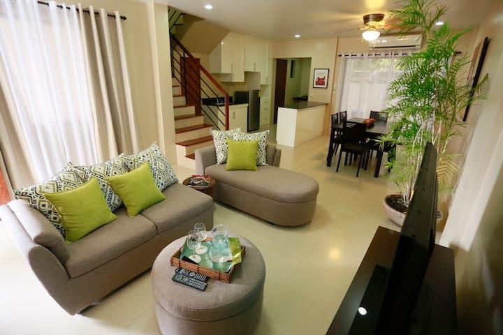 Marina Residences Unit # 1 - Dumaguete - Departamento