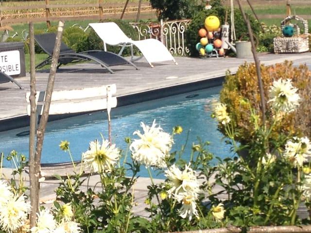 Maison de charme en basses vallées - Soulaire-et-Bourg - Huis