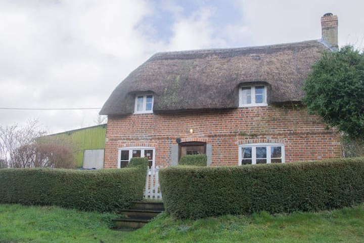 Country Cottage in Pewsey Vale - Sharcott - Casa