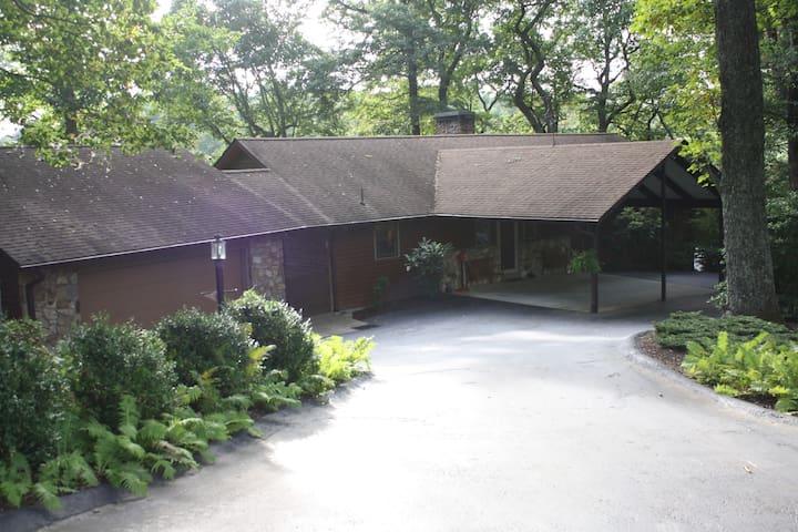 Mountain Home in Roaring Gap - Roaring Gap - Huis