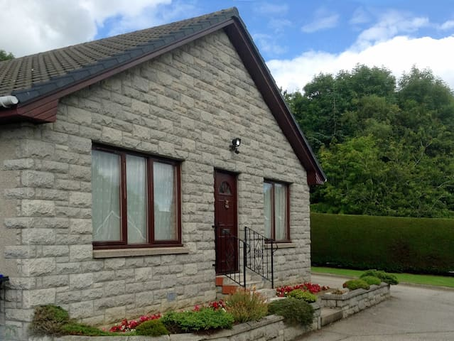 Ruby House Holiday Home, Newmachar. - Newmachar