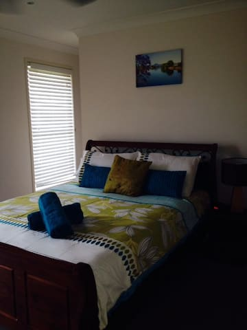 Brisbane Furnished Homes- Short/ Long term- 3 brm - Rochedale South - Maison