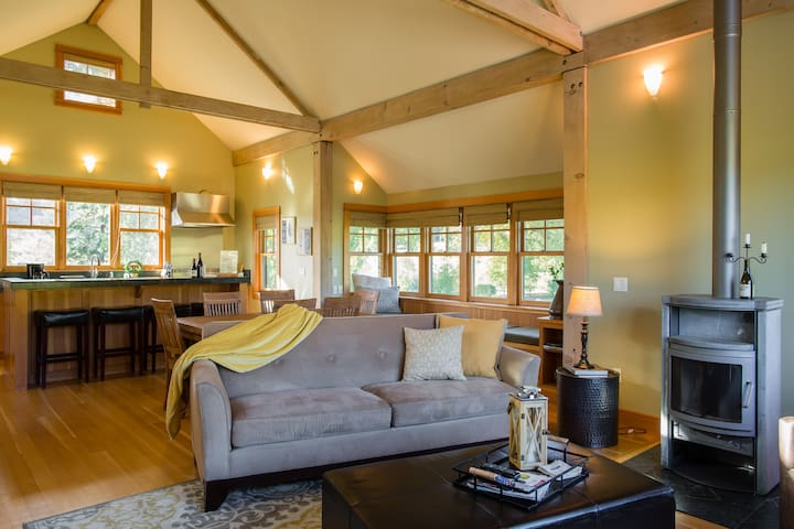 Spectacular Home in the Heart of Wine Country! - Gaston