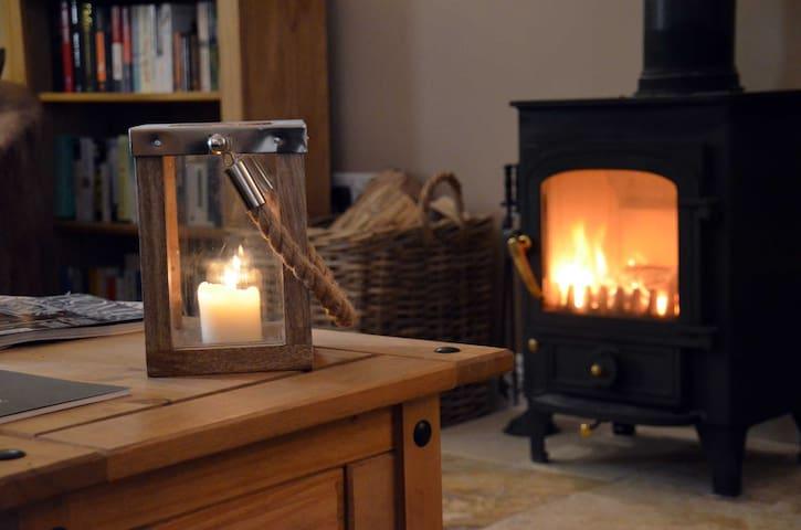 Luxury Two Bedroom Rustic Cottage - Lower Woodford - Apartemen