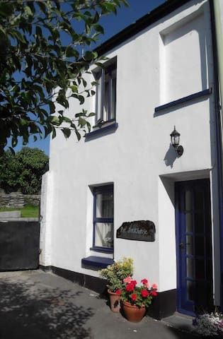 The Deckhouse Cottage - Appledore - Bed & Breakfast