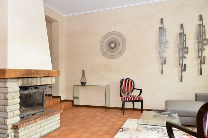 House (220 m2) 3 bedrooms 3 Bth, city center - Luxembourg - Hus