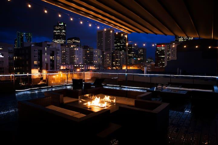 Work, Play, & Stay at this Premium Downtown Loft - Denver - Loft