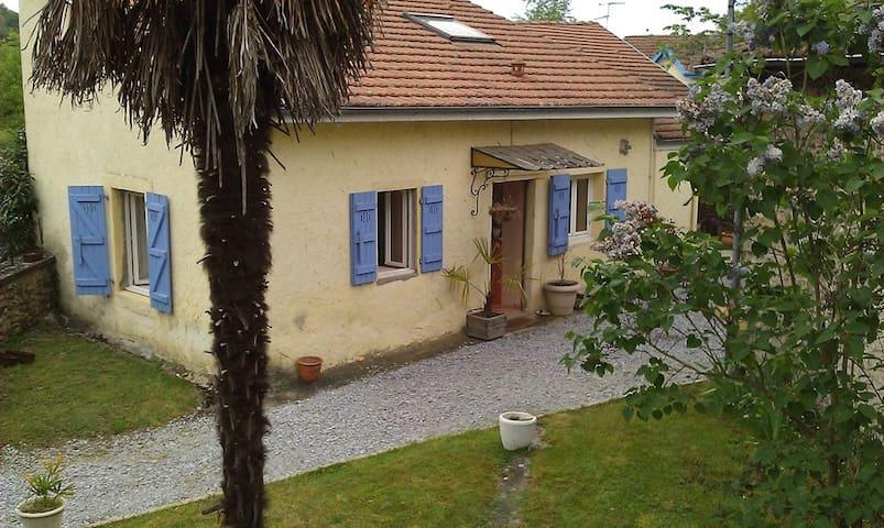 Nice House near Pau, Nay, Lourdes - Baliros - Casa