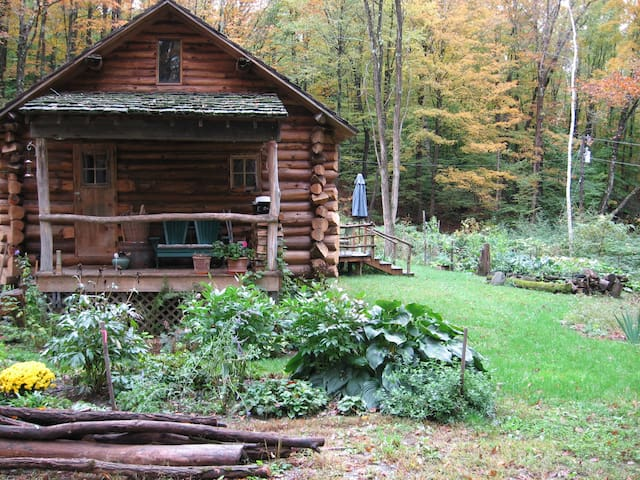 Beautiful Vermont Log Home Retreat - Putney - Dom