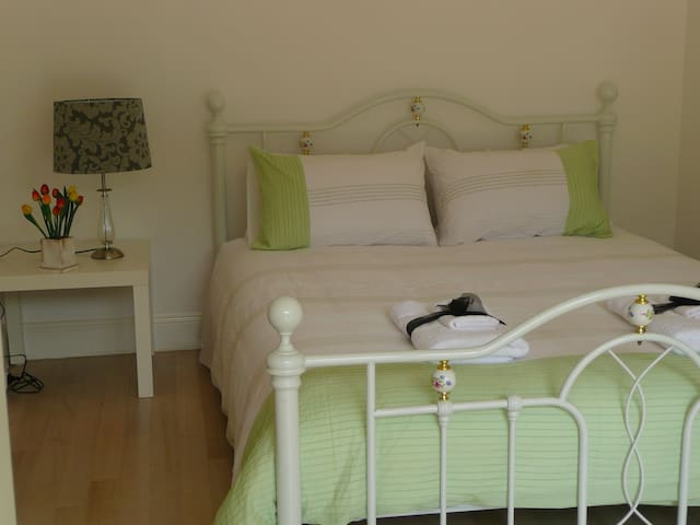 Linney's Place-a lovely apartment - Rosebud - Appartement