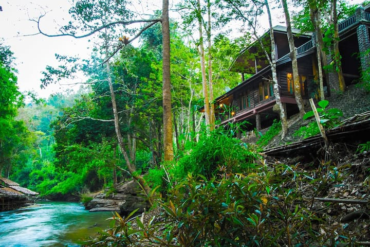 Riverside Lanna Room in Jungle, Chiang Mai - Mae Wang - Cabin