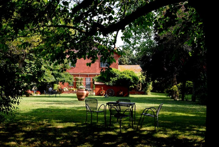 Guest House with pool and horses - Province of Rome - Cabane