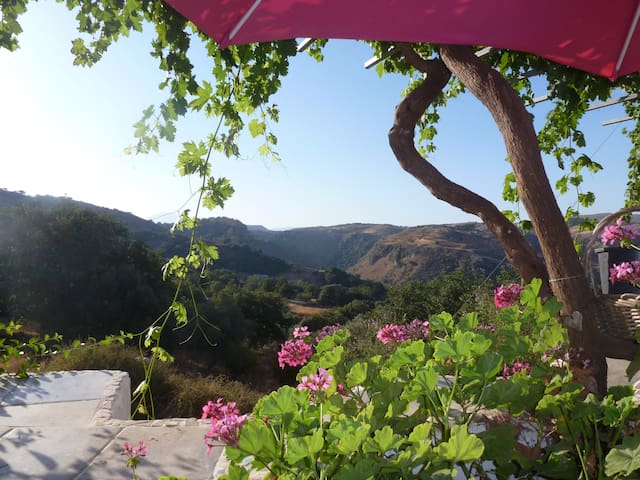 Magical Hidden Cretan Retreat!! Monopari. - Monopari - Talo