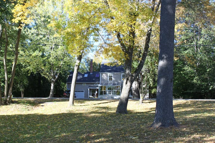 Adorable Riverfront Home Near U - Orono