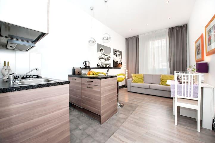 Brand New Mini Loft, nice price !!! - Rooma - Huoneisto