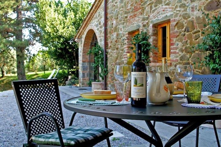 Typical Tuscan Restored Old Barn - Monte San Savino - Apartemen