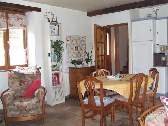 Pink House Terre Nere Le Village - Banios - Rumah