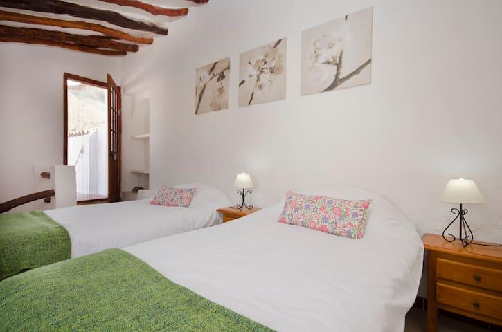 Casa Lola - 2 bedrooms, charming - Rubite - Talo