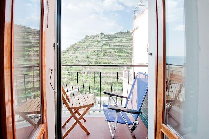 Serravallo vista mare apartment - マナローラ - アパート