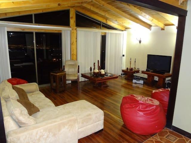 House on the Poas Mountains - Sabana Redonda - Дом