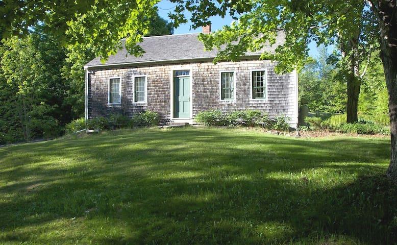 Historic Cape near Belfast, Maine - Montville - Huis