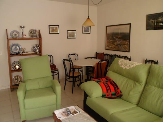 3BR Amazing&cozy apt in lovely town - Arroyo de la Luz - Huis