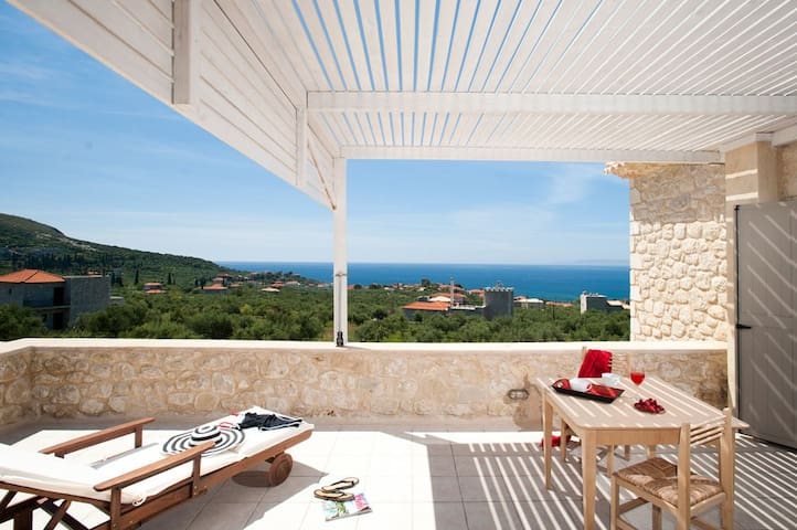 Poliana Estate - Sea view with Pool - West Peloponnese - Willa