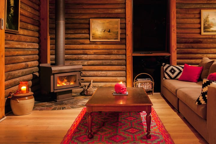 Mexican-Inspired Log Cabin  - Smiths Lake - Haus