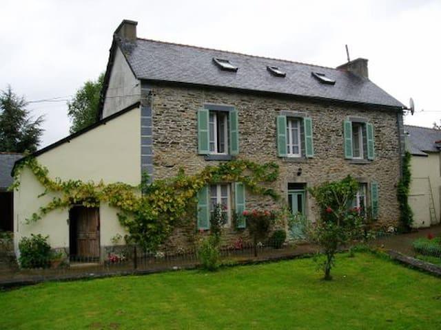 Cottage near Châteauneuf-du-Faou - Châteauneuf-du-Faou