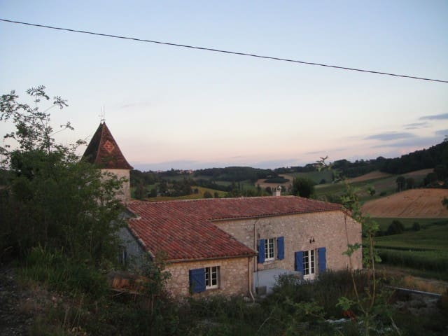 Old Farmhouse in Frespech - France - Frespech - Huis