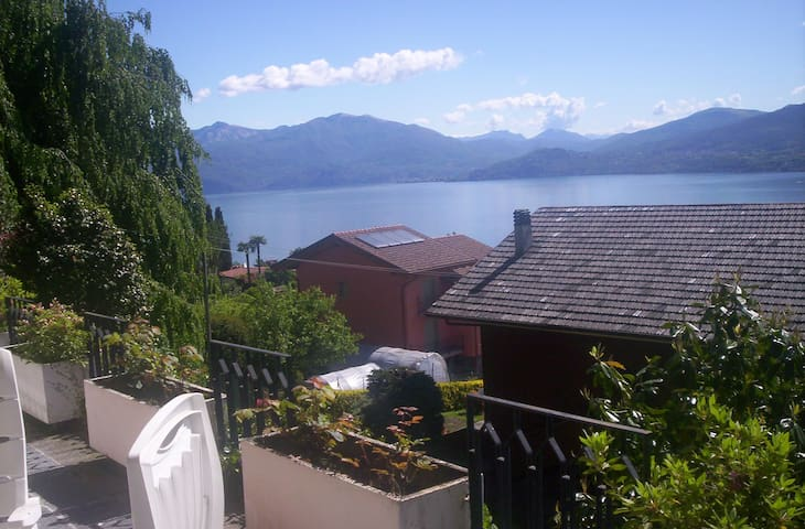 5 bed in typical Villa - Lake view - Ghiffa - Daire
