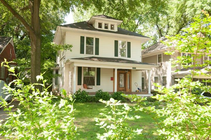 Charming Midtown Home - Мемфис - Дом