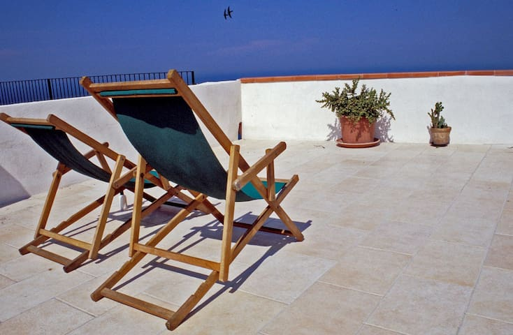 La Ripa-apartment on the cliff edge - Peschici - Leilighet