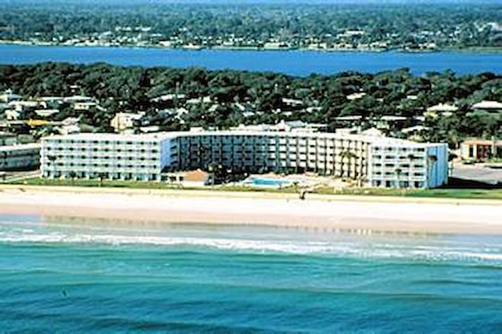 """Hawaiian Inn"" vacation getaway - Daytona Beach Shores - Apartament"