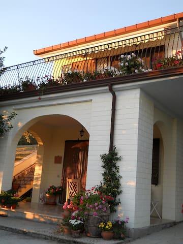 Villa Belsogno MasterBD/terrace - Province of Campobasso - Villa