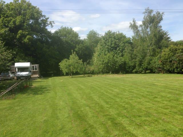 CamperVan in Paddock £26 per person - Romsey - Van