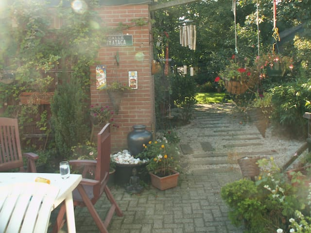 Room with own entrance - Rhenen - Bed & Breakfast