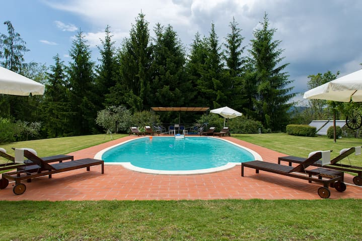 Relax in farmhouse on Tuscan hills! - Province of Pistoia - Wohnung