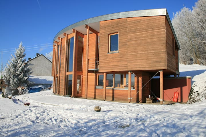 Spacious, modern and passive house - Villers-le-Bouillet - Hus