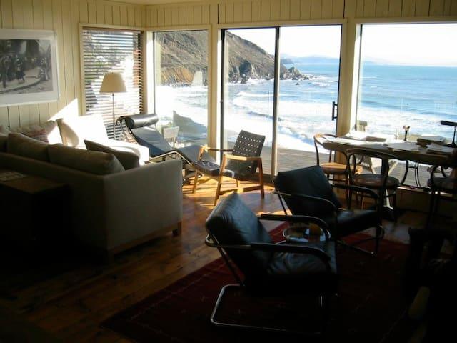 Ocean Front Property - Beach House - Muir Beach