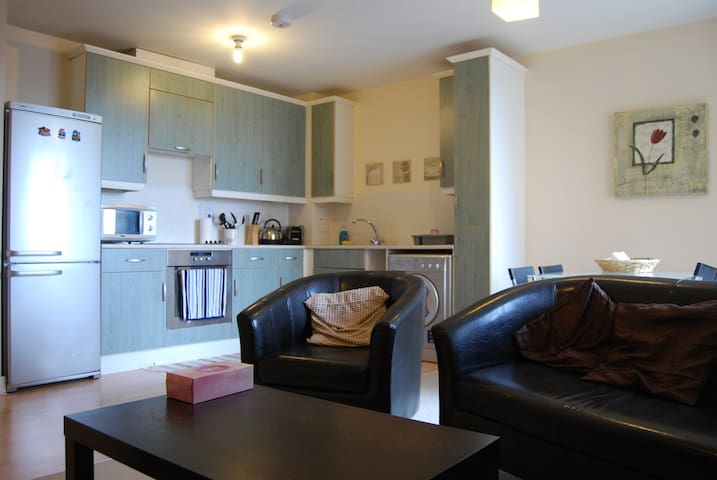 One bedroom flat in North Acton - Lontoo