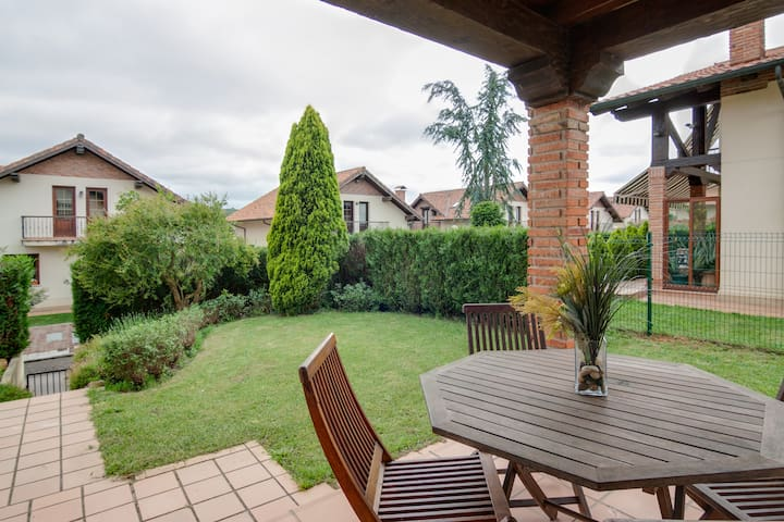 Casa independiente con jardín  - Cantabria - Huis