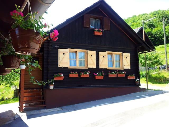 NP Plitvice, Wooden OAZA MIRA - Plitvička Jezera - Kulübe