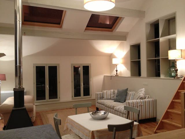Loft style village apartment - Avançon - Departamento