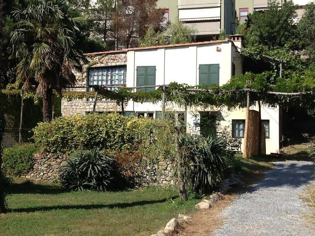 SPOTORNO MAGIARDA cottage - Spotorno - Ev