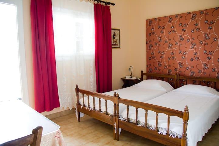 Korali Stoupa : Apartment 1 - Lefktro - Lägenhet